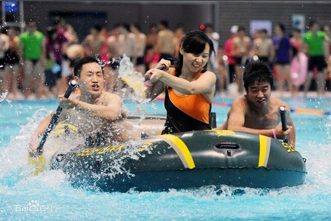 ——水上趣味活动项目--——友谊小船泅渡